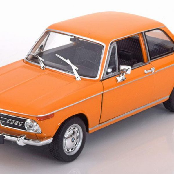 BMW 2002 Oranje 1-24 Welly