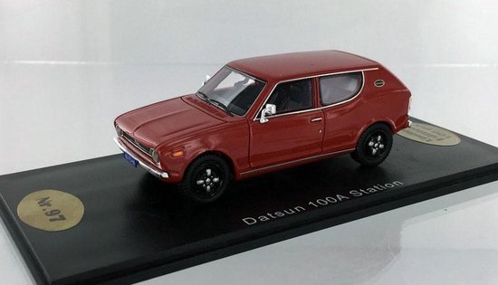 Datsun 100 A Station Rood 1-43 Golden Oldies