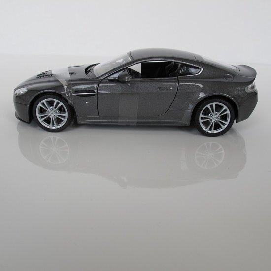 Aston Martin V12 Vantage 1:24 Welly