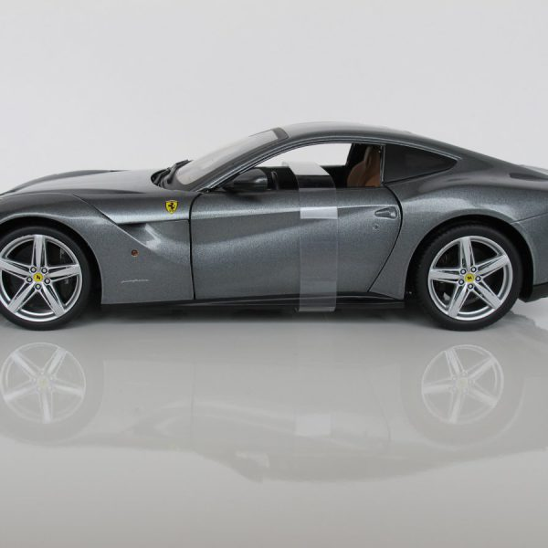 Ferrari F12 Berlinetta 1:18 Grijs metallic Hotwheels