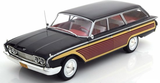 Ford Country Squire Zwart 1-18 MCG Models Limited