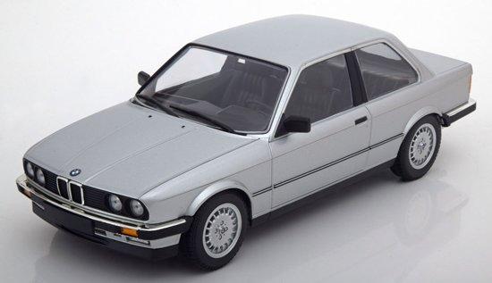 BMW E30 323i 1982 Zilver 1-18 Minichamps Limited 702 pcs.