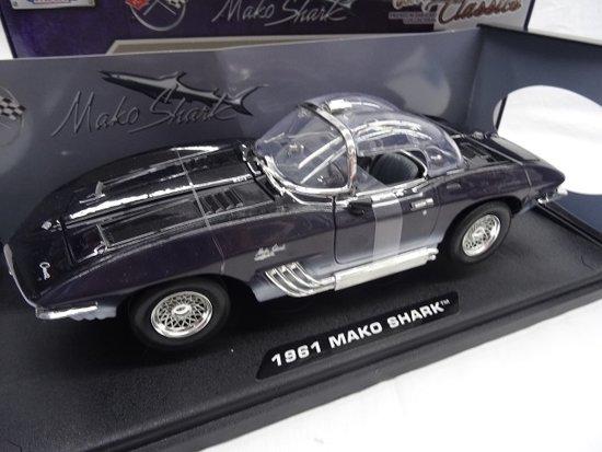 "Chevrolet Corvette 1961 ""Mako Shark ""Blauw 1-18 Motormax"