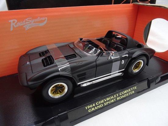 Chevrolet Corvette Grand Sport Roadster 1964 Matzwart 1-18 Lucky Diecast
