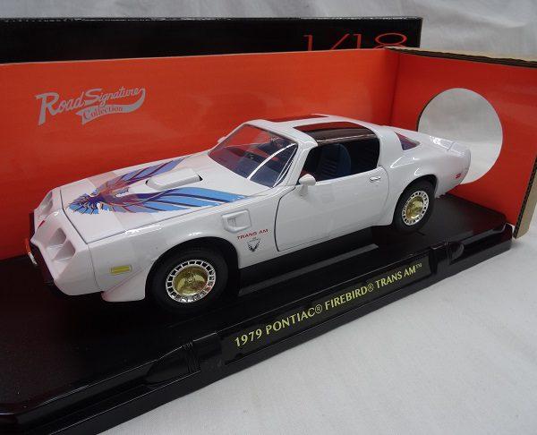 Pontiac Firebird Trans Am 1979 Wit 1-18 Lucky Diecast
