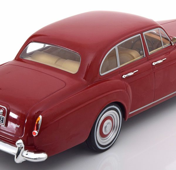 Rolls-Royce Silver Cloud 3 Flying Spur RHD H.J. Mulliner Rood 1-18 MCG Models Metal