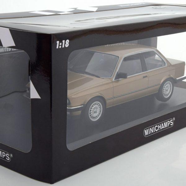Minichamps E30 bruin
