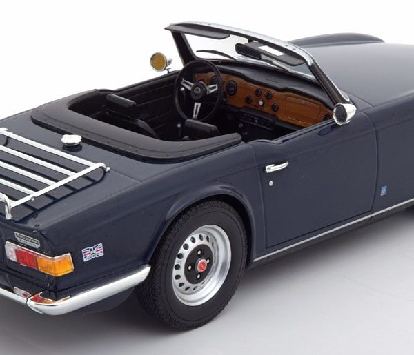 Triumph TR-6 1973 LHD Donkerblauw 1-18 Minichamps Limited 350 Pieces