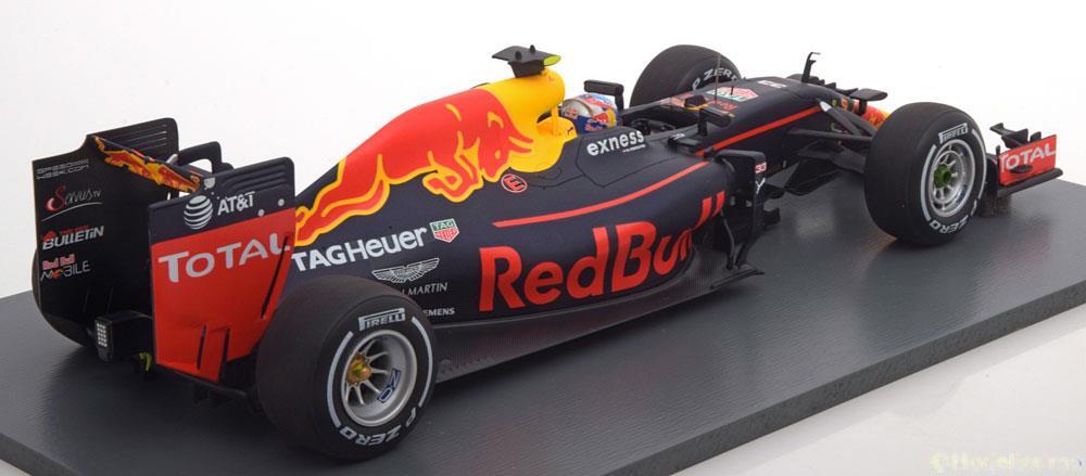 Red Bull Racing RB12 #33 Max Verstappen Winner GP Spanje 2016 1:18 Spark