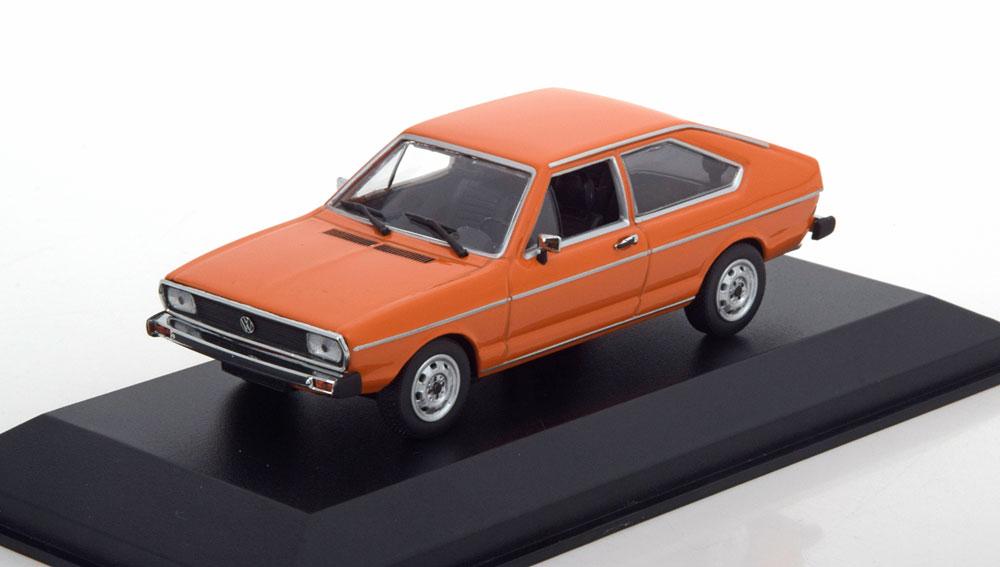 Volkswagen Passat 1975 Oranje 1-43 Maxichamps