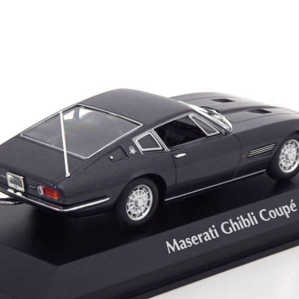 Maserati Ghibli Coupe 1969 Zwart 1-43 Maxichamps