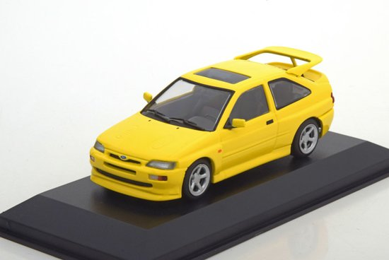 Ford Escort RS Cosworth 1992 Geel 1-43 Maxichamps