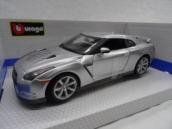 Nissan GT-R ( R35 ) 2009 Zilver 1/18 Burago