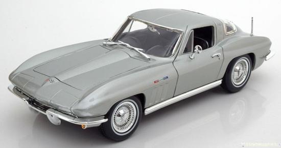 Chevrolet Corvette 1965 Coupe 1-18 Zilver Maisto