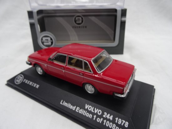 Volvo 244 1978 Rood 1-43 Triple 9 Collection Limited 1008 pcs.