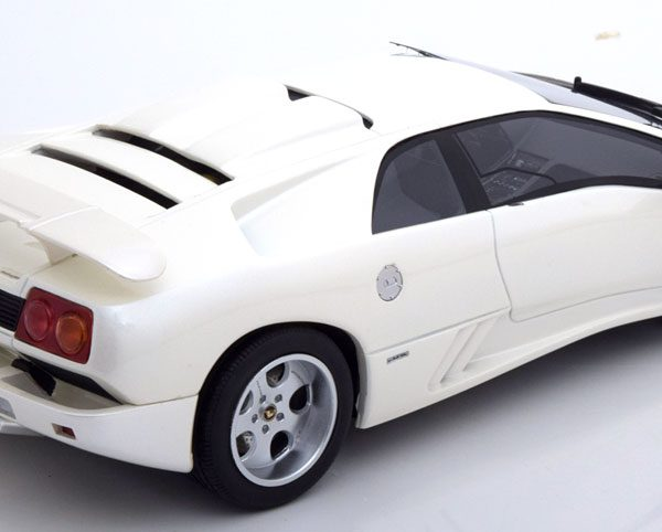 Lamborghini Diablo Jota SE30 1994 Wit GT Spirit with Kyosho Special 1-18 Limited 500 Pieces