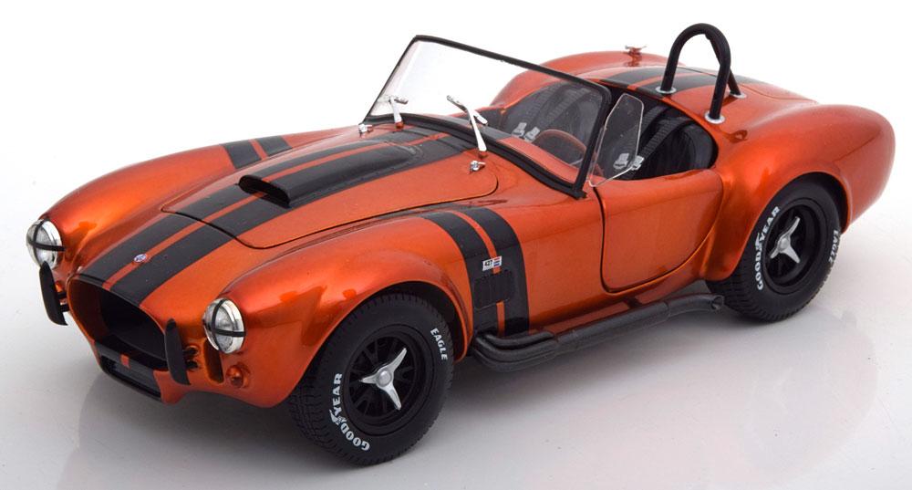 Shelby Cobra 427 MKII 1965 Oranje Metallic 1-18 Solido