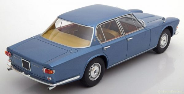 Maserati Quattroporte 1966 Blauw 1:18 BOS-Models Limited 1000 Pieces
