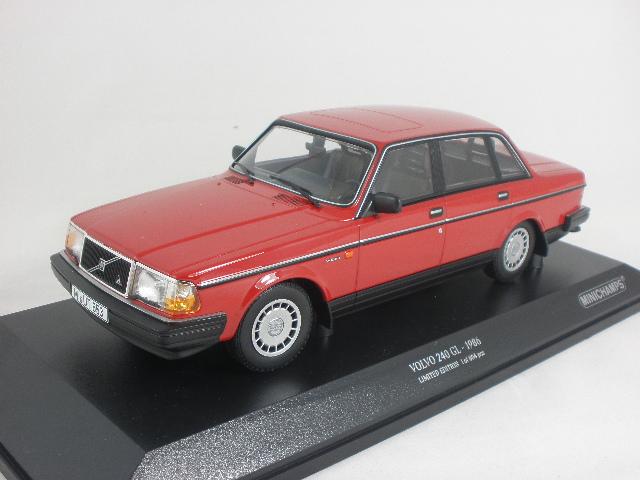 Volvo 240 GL 1986 Rood 1-18 Minichamps Limited 804 pcs.