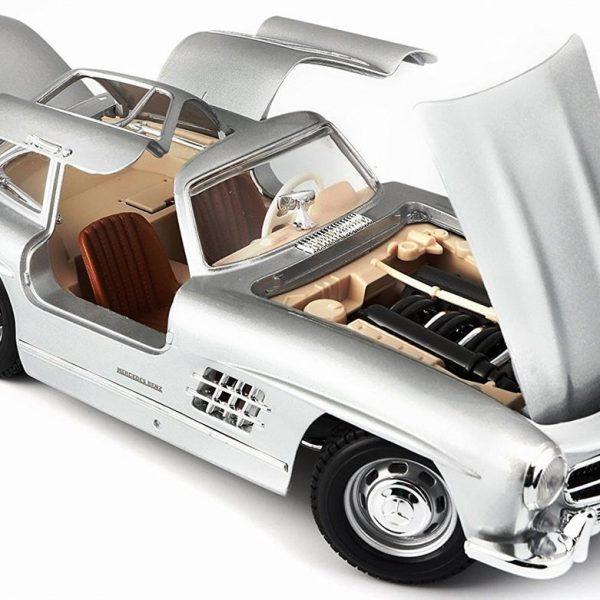 Mercedes-Benz 300 SL 1954 Zilver 1-18 Burago
