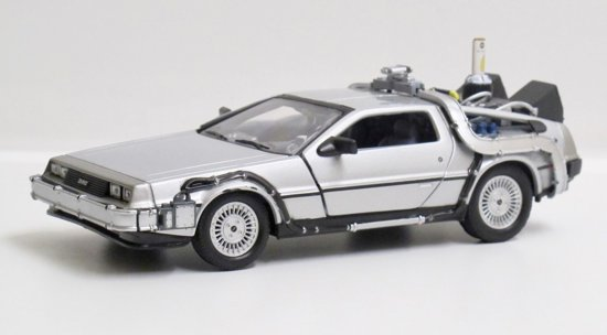 BACK TO THE FUTURE 2 - 1983 Delorean Flying Wheel Version 1:24 Welly