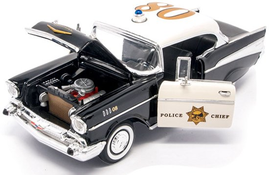 Chevrolet Bel Air 1957 Police Version 1:18 Lucky Diecast