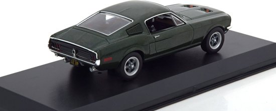 "Ford Mustang 1968 ""Bullitt ""Groen 1-43 Steve Mc Queen ( with Figure )Greenlight Collectibles"