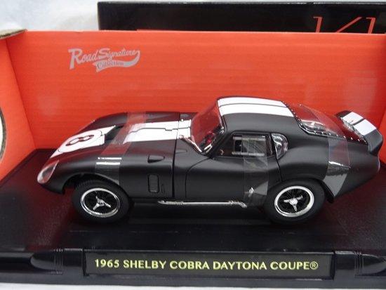 Shelby Cobra Daytona 1965 Nr# 8 Matzwart 1-18 Lucky Diecast