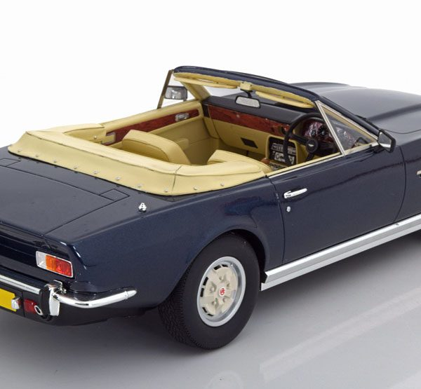 Aston Martin V8 Volante 1978 Blauw 1-18 Cult Scale Models Limited