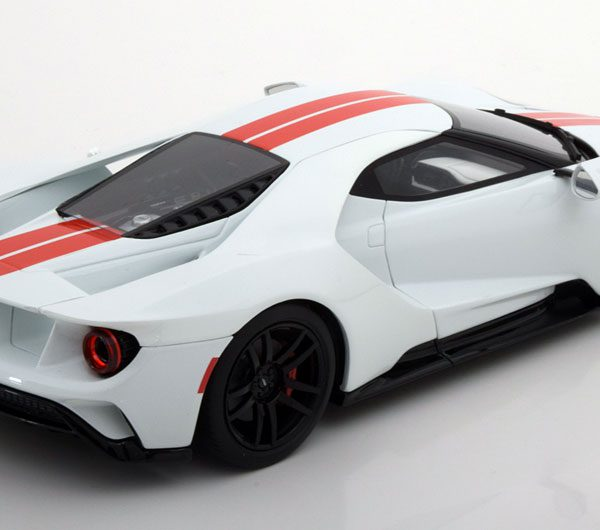 Ford GT 2017 Wit/Rood 1:18 GT Spirit Limited 1500 pcs.
