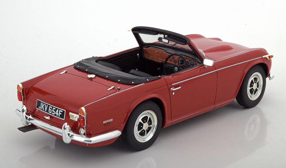 Triumph TR5 P.I. Roadster 1967 Rood 1-18 Cult Scale Models