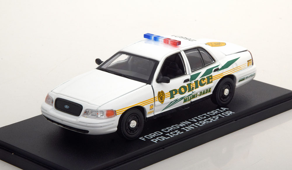 "Ford Crown Victoria Police 2003 ""CSI Miami ""1-43 Greenlight Collectibles"
