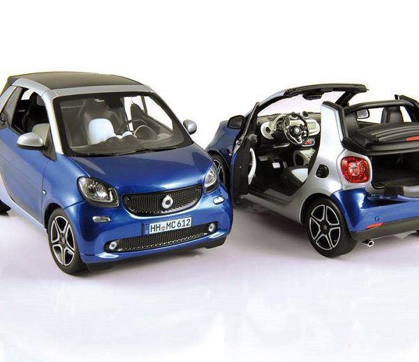 Smart Fortwo Year 2015 1:18 Silver/Blue Metallic Norev
