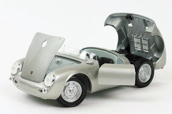 Porsche 550 A Spyder 1:18 Zilver Maisto