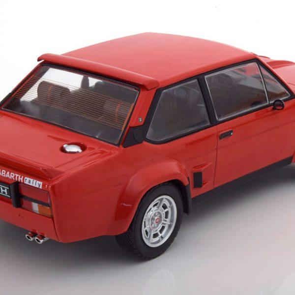 Fiat 131 Abarth 1980- rood -1-18 - Ixo Models