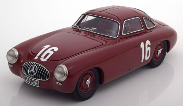 Mercedes-Benz 300SL (W194) #16 GP von Bern 1952 1:18 CMC Limited 1500 pcs.
