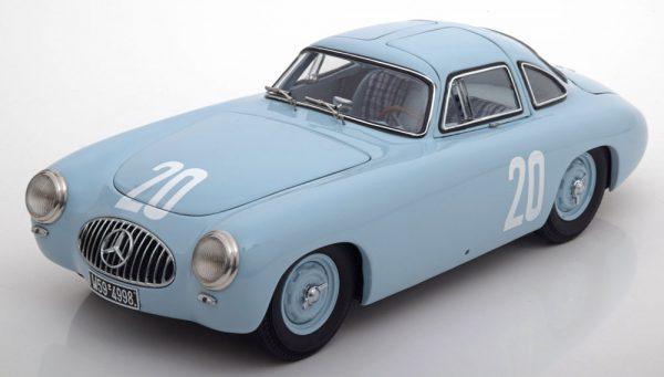 Mecedes-Ben 300SL (W194) GP von Bern 1952 1:18 Blauw CMC Limited 1500 pcs.