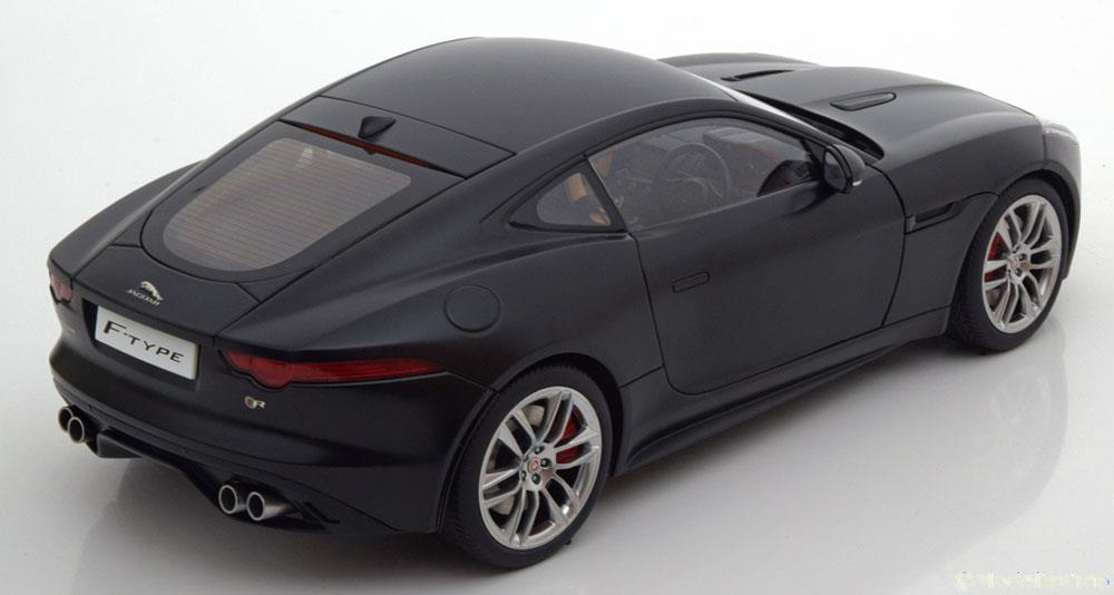 Jaguar F-Type Project 7 R Coupe 2015 Matzwart 1-18 Autoart