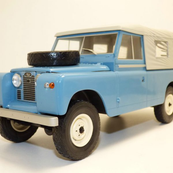 Land Rover 109 Pick up Series II, Blauw / Grijs 1-18 MCG Models