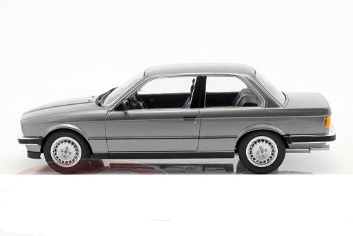 BMW E30 1982 Grijs Metallic 1-18 Minichamps Limited 400 Pieces