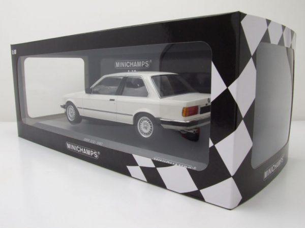 BMW E30 323i 1982 Wit 1-18 Minichamps Limited 600 Pieces