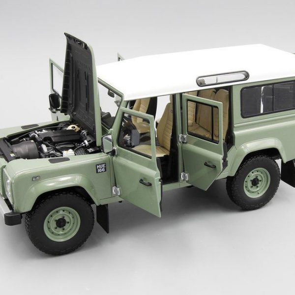 Land Rover Defender 110 Heritage Edition 2015 Lichtgroen 1-18 Almost Real