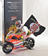 """Ducati Desmosedici GP11.2 Valentino Rossi Ducati Team MotoGP Valencia 2011 """"Tribute to Marco """" 1-12 Minichamps Limited 1558 Pieces"""