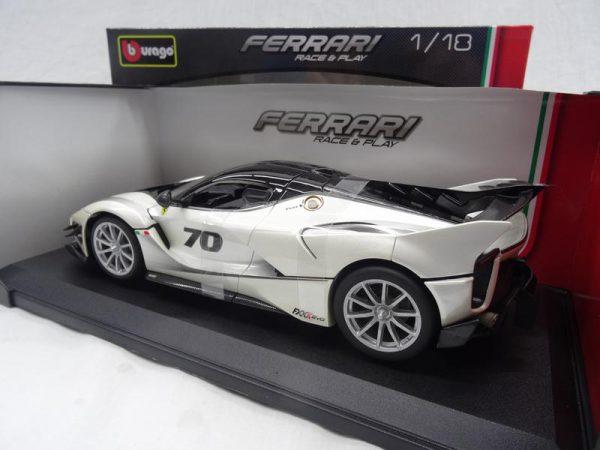 Ferrari FXX-K Evo Nr# 70 Wit 1-18 Burago