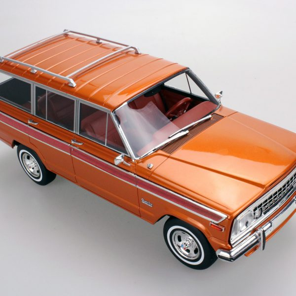Jeep Grand Wagoneer Bruin 1-18 LS Collectibles |Limited 250 Pieces