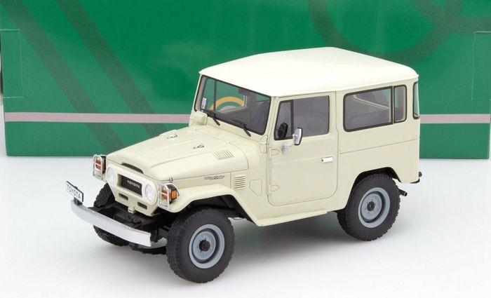 Toyota Landcruiser FJ40 1977 Beige 1-18 Cult Scale Models