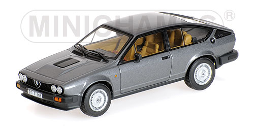 "Alfa Romeo GTV6 ""James Bond"" - Octopussy Grijs Metallic 1-43 Minichamps Bond Collection"