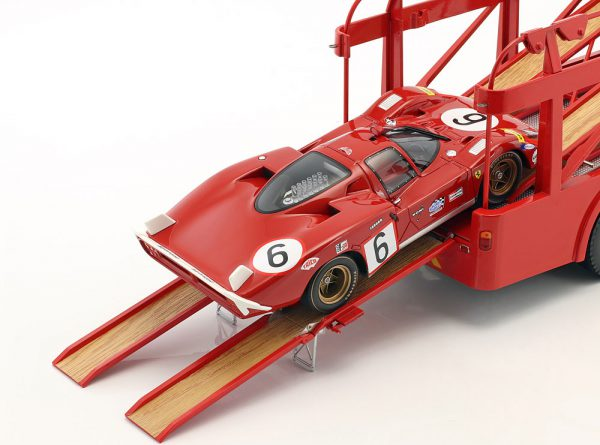 "Fiat Bartoletti 306/2 ""Ferrari Renntransporter"" JC 1963 Rood 1-18 Norev Limited 1000 Pieces"