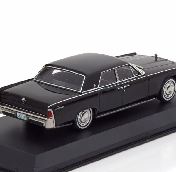 "Lincoln Continental 1965 ""Matrix"" Zwart 1-43 Greenlight Collecitbles"