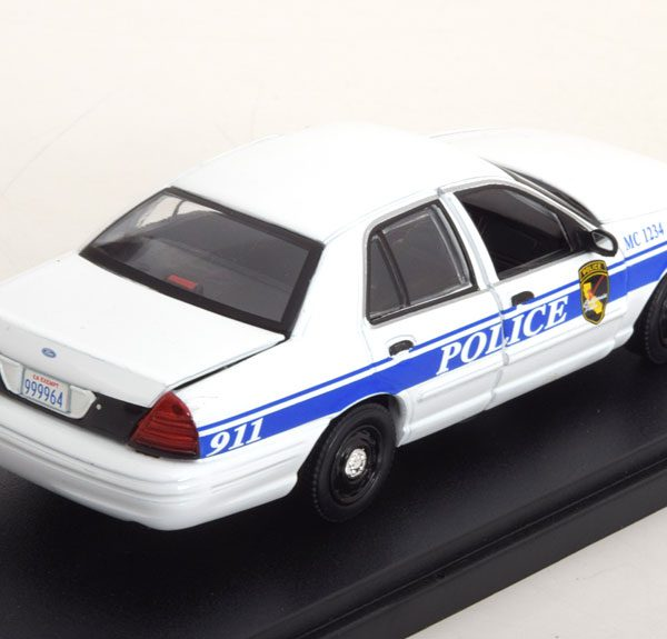 "Ford Crown Victoria Police Interceptor 2003 ""TV Serie MacGyver "" Wit / Blauw 1-43 Greenlight Collectibles"